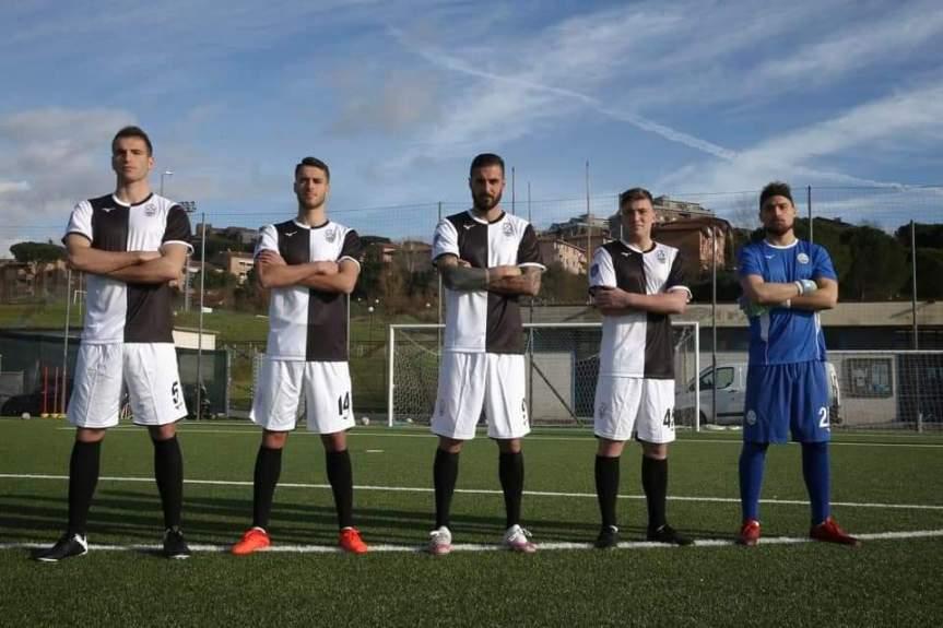 Siena, Acn Siena: Ecco la prima maglia ufficiale della squdrabianconera