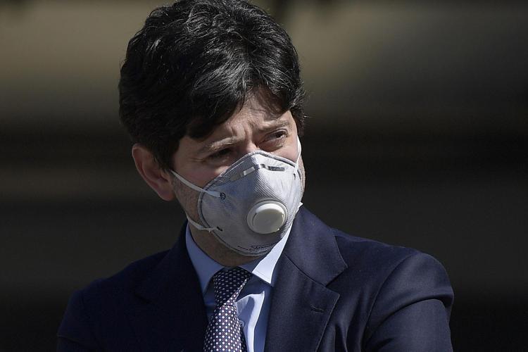 Italia, Roberto Speranza, un uomo pieno di rancore. Inchiodato, che persona è il ministro: Spunta questofoglio