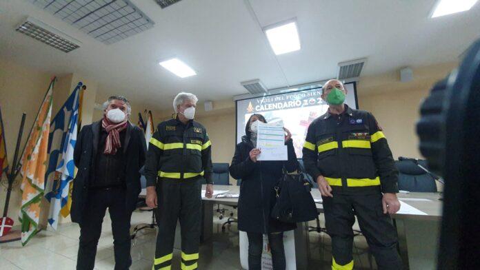 """Siena, Calendario dei vigili del fuoco per la Fondazione Nannini: """"A beneficio della struttura e dellemamme"""""""