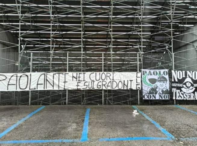 Siena: Oggi 01/01 Striscione per Paolo Castellarin all'ingresso della CurvaRobur
