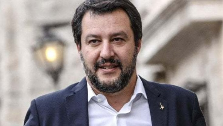 "Italia, Governo, Salvini: ""Draghi scelga, o noi oM5s"""