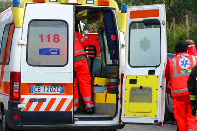 Provincia di Siena: Incidente in località Tre Berte a Montepulciano, ferite duepersone