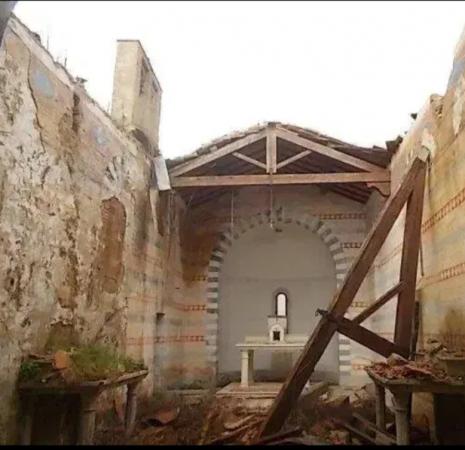 Provincia di Siena: Le macerie della chiesa di Barca, tristeabbandono