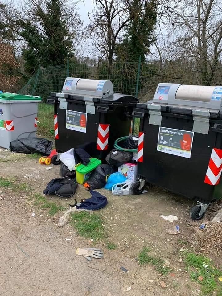 Siena: Siena Civitas sui rifiuti e suicassonetti