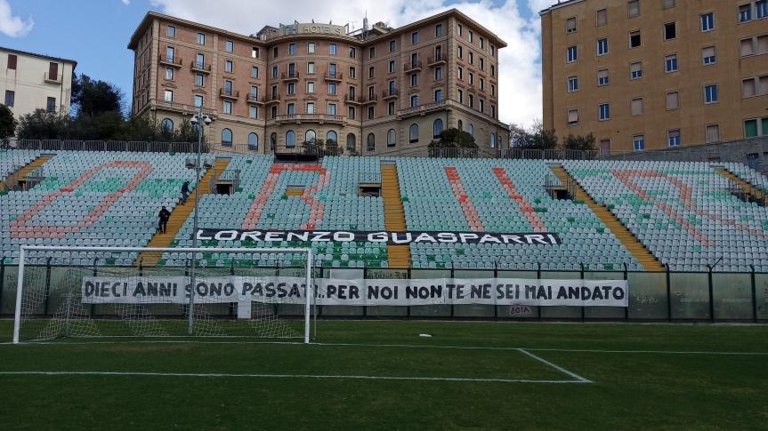 Siena, Acn Siena: Oggi 14/02 la Curva Guasparri ha esposto uno striscione per LorenzoGuasparri