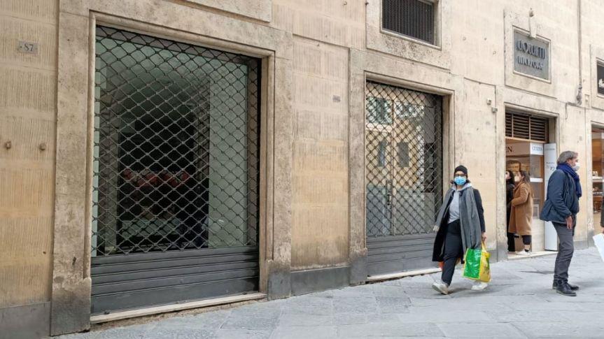 Siena, Centro storico sempre più deserto: Chiude ancheSwatch