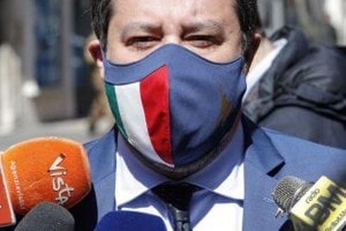 Italia, Open Arms, schiaffo dei pm: Salvini rinviato agiudizio