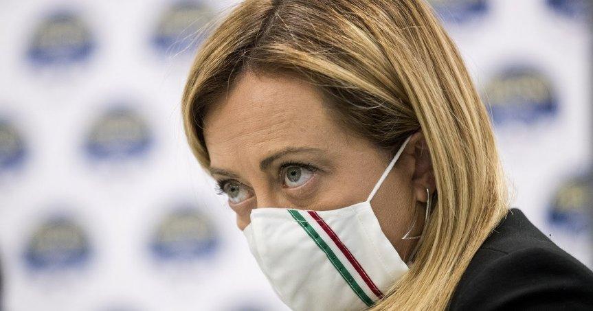 """Italia, Immigrazione, Giorgia Meloni contro Luciana Lamorgese: """"Al Sud sbarchi incontrollati. Pugno duro solo con gliitaliani"""""""