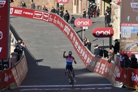 Siena: Oggi 06/03 Mathieu van der Poel ha vinto le Strade BiancheMaschile