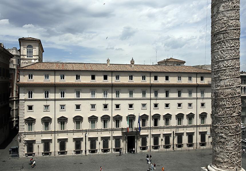 Italia: Nomine, parte la grande abbuffata. In palio 518 poltrone di Stato. Sono 115 gli organi sociali da rinnovare. In cima i Cda di Cassa Depositi, Fs, Rai eGse