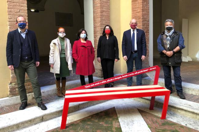 Siena: Gli atenei di Siena con Europe Direct Siena contro la violenza sulledonne