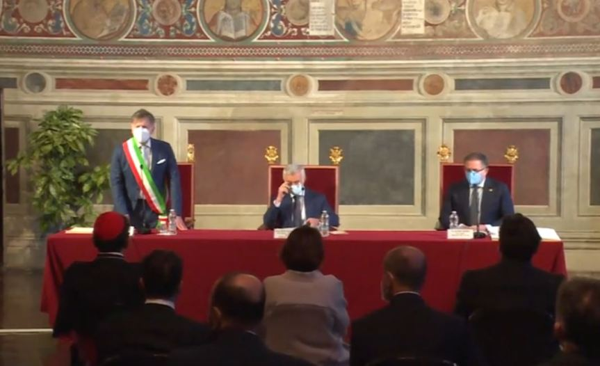 Siena: L'intervento del Sindaco De Mossi durante la lectio magistralis di ieri25/03