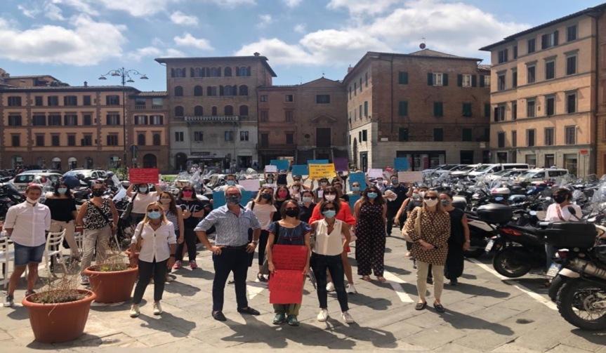 """Siena, Scuola, docenti precari: """"Marzo 2021 uguale a marzo 2020, non è cambiatoniente"""""""
