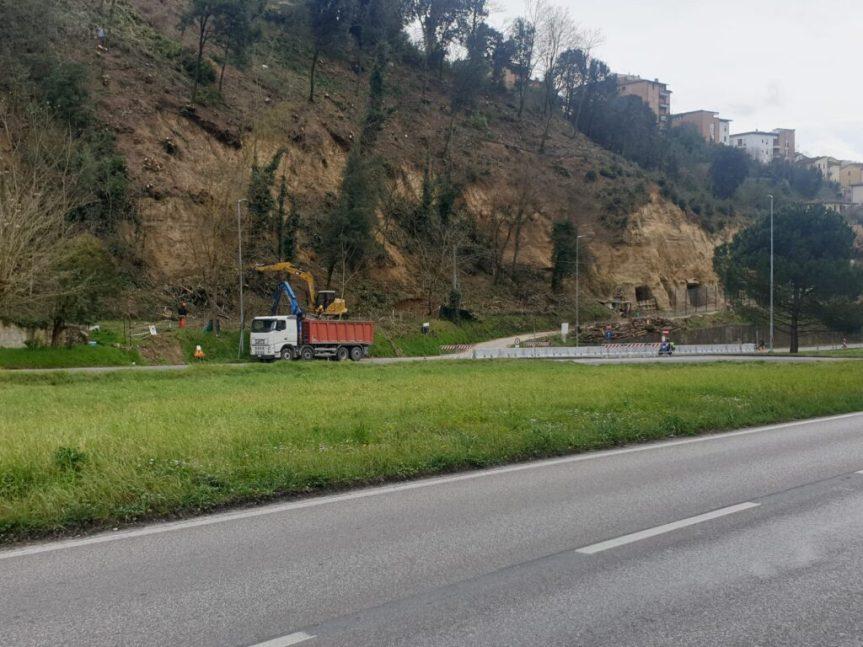 Siena, Strada Grotte di Pescaia: I lavori permettono la riapertura di unacorsia