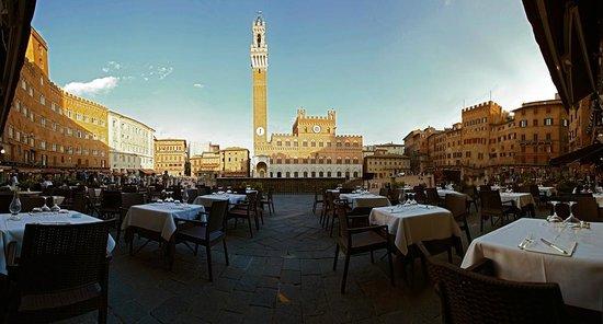 Italia, C'è il decreto: Ristoranti e spostamenti, l'Italia riapredavvero