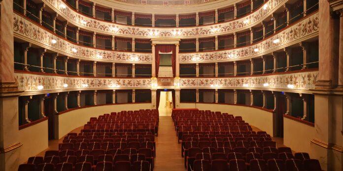 Siena: Teatro dei Rinnovati, si alza di nuovo ilsipario