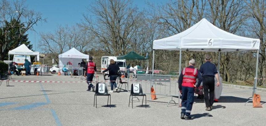 Provincia di Siena: Covid, oltre ottocento i cittadini per lo screening a Castellina inChianti
