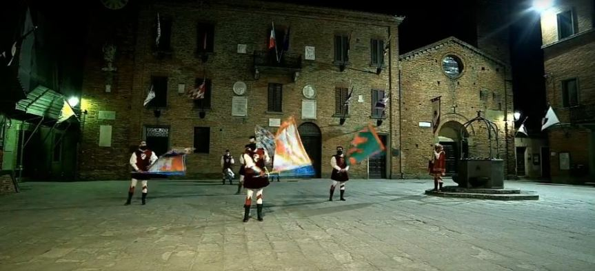 Provincia di Siena, Torrita di Siena: Flash mob in piazza per il Palio dei Somari, ancora stoppato dalCovid