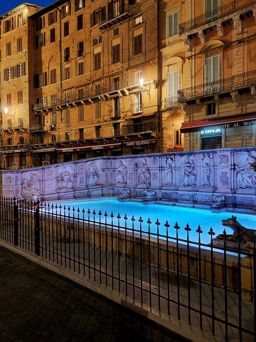 Siena: Per la Festa dell'Europa i giorni 08-09/05 Fonte Gaia si tinge diblu