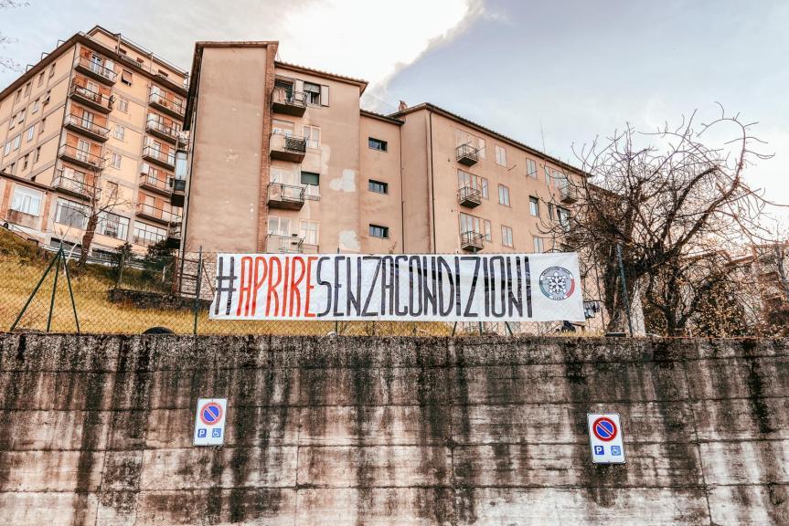 """Siena, CasaPound: """"Aprire senzacondizioni"""""""