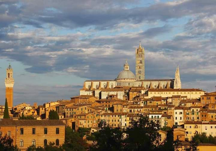 Siena: Oggi 04/04 gli auguri di Buona Pasqua del sindaco De Mossi aisenesi