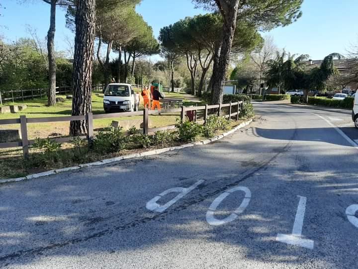 Siena: Oggi 15/04 nuove staccionate nei giardini di ViaOrlandi
