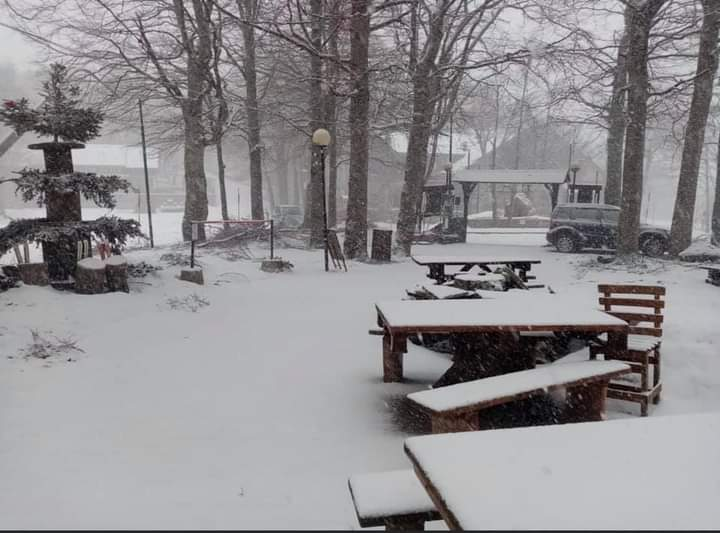 Provincia di Siena: Oggi 18/04 bella nevicata in vetta all'Amiata