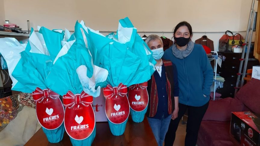 Provincia di Siena: La Fratres dona le uova di Pasqua all'associazione San GimignanoSolidale