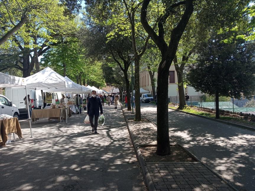 Siena: Oggi 23/04 il mercatino dei produttori in VialeMaccari
