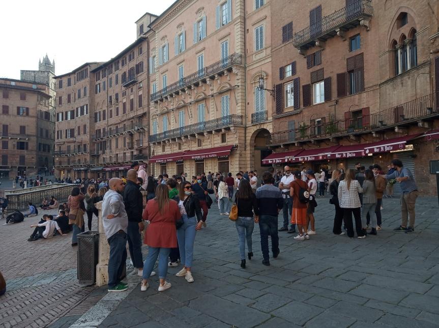 Siena: Oggi 25/04 la situazione in Piazza delCampo