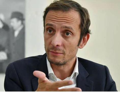 """Italia, Riaperture, """"coprifuoco fino alle 23"""". Le Regioni contro il decreto: Vacambiato"""