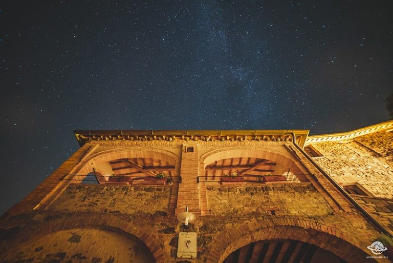 """Provincia di Siena: Montalcino con Piombaia, azienda produttrice di Brunello, è tra """"I cieli più bellid'Italia"""""""