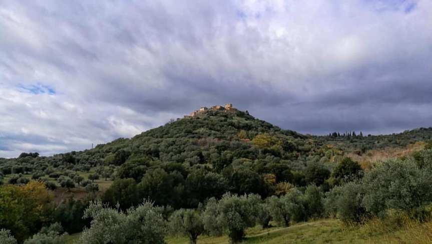"""Toscana: """"La Terra e il Cielo"""", il Borgo diMontemassi"""