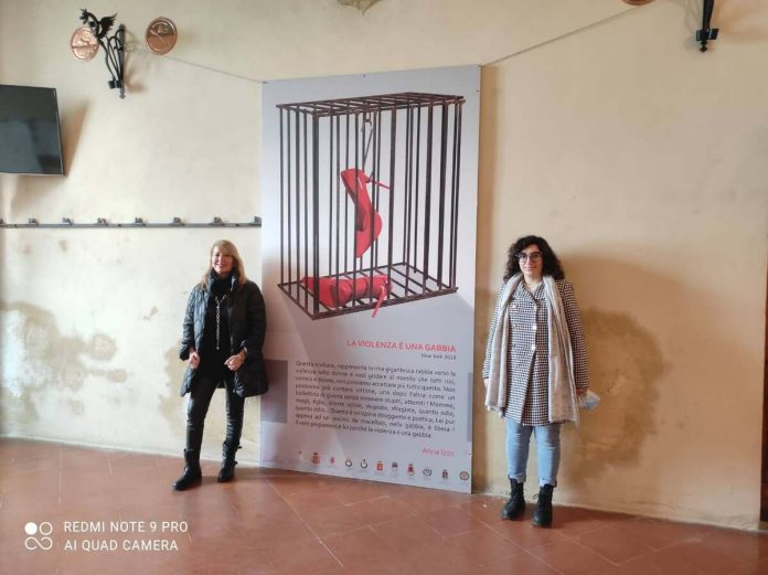 Provincia di Siena, Montepulciano: Opera itinerante contro la violenza sulledonne
