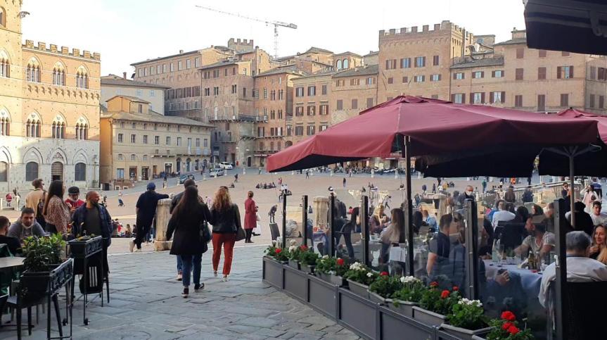 italia, Covid: Riaperture senza effetti, i contagi restanobassi