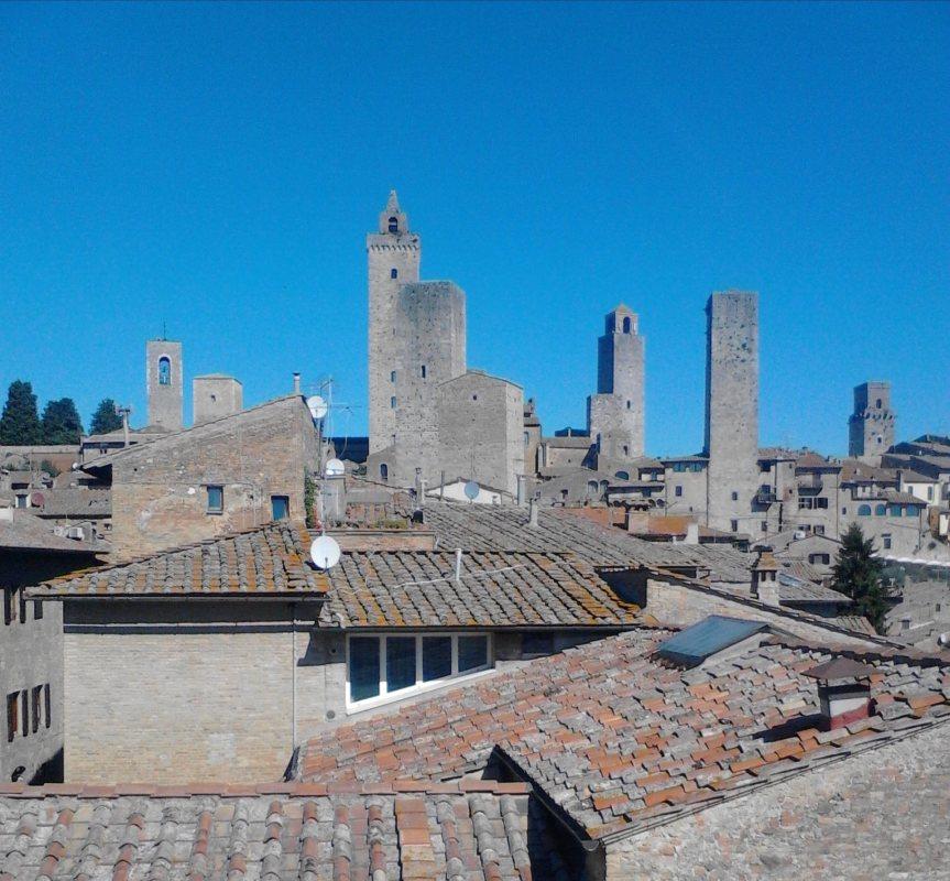 Provincia di Siena: San Gimignano, ecco la nuova associazione culturale ArteLibera-mente
