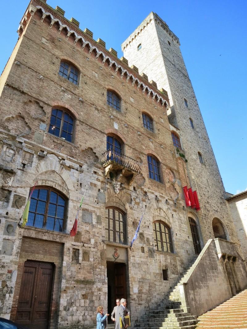 Provincia di Siena: San Gimignano, il Consiglio comunale approva assestamentogenerale