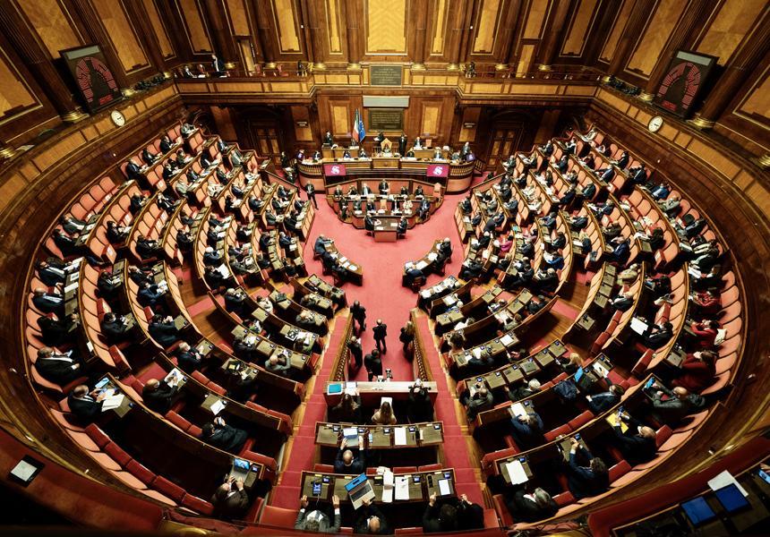 Italia, Coprifuoco, accordo nel Governo. Ma Draghi prende tempo: Possibili modifiche rinviate a metàmaggio