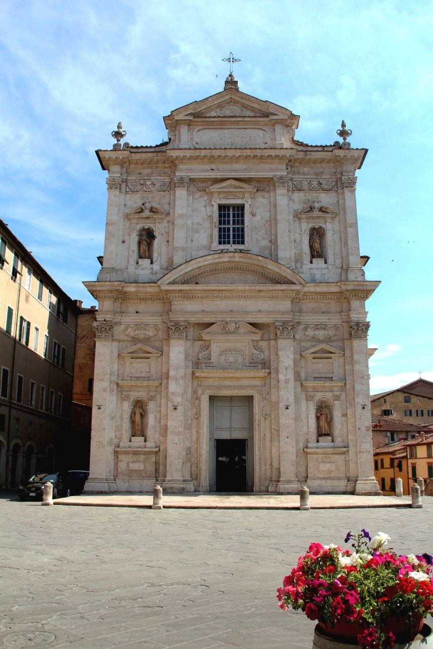 Palio di Siena: La Madonna di Provenzano, Violante di Baviera e i due Palii di luglio del1717