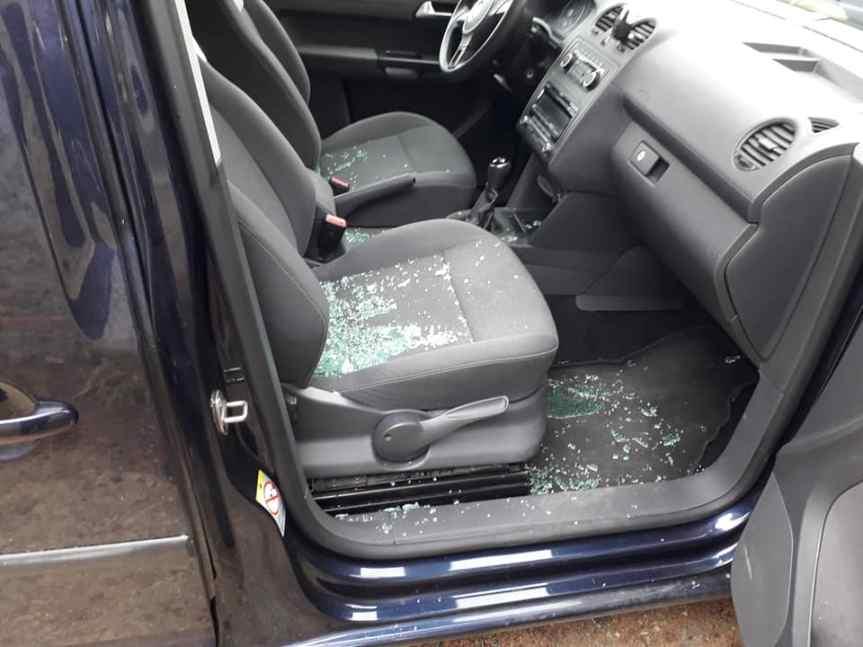 Siena: In visita alla madre al cimitero, le spaccano il vetro dell'auto e le rubano laborsa
