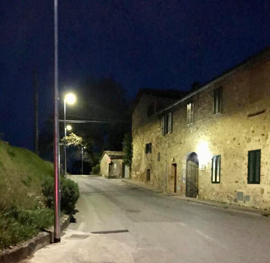 Siena: oggi 11/04 Risistemata l'illimunazione pubblica in Strada diFicareto