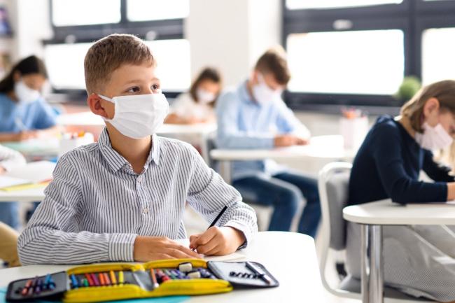 Italia, Parlamento approva mozione: Riaprire tutte le scuole e completare vaccinazioneinsegnanti