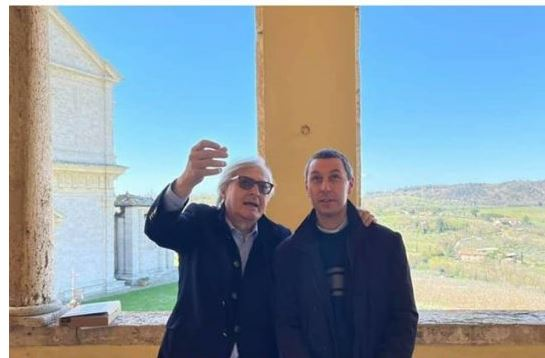Provincia di Siena, Vittorio Sgarbi visita il Museo Civico di Montepulciano in zona rossa: Scoppia lapolemica