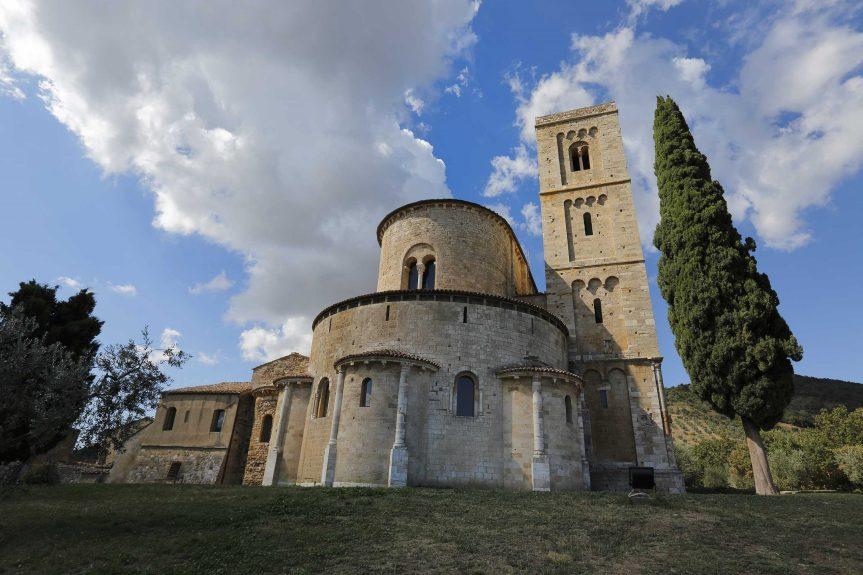 Provincia di Siena, Salute e salvezza: L'insegnamento di Santa Ildegarda all'Abbazia diSant'Antimo