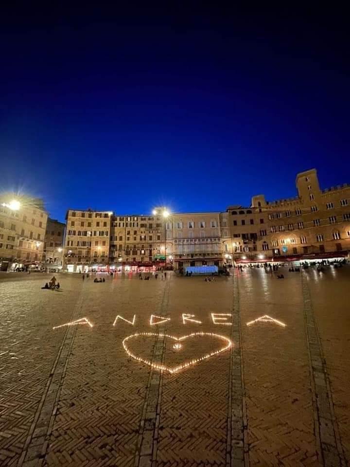 Siena: Ieri 20/05 in Piazza del Campo ricordo di AndreaMari