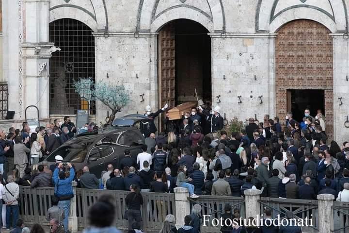 Siena: Oggi 21/05 l'ultimo saluto di Siena ad AndreaMari