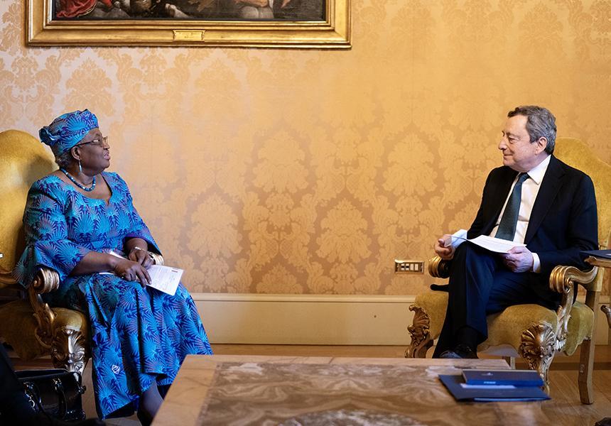 Italia: Il Presidente Draghi incontra la Direttrice Generale del WTO NgoziOkonjo-Iweala