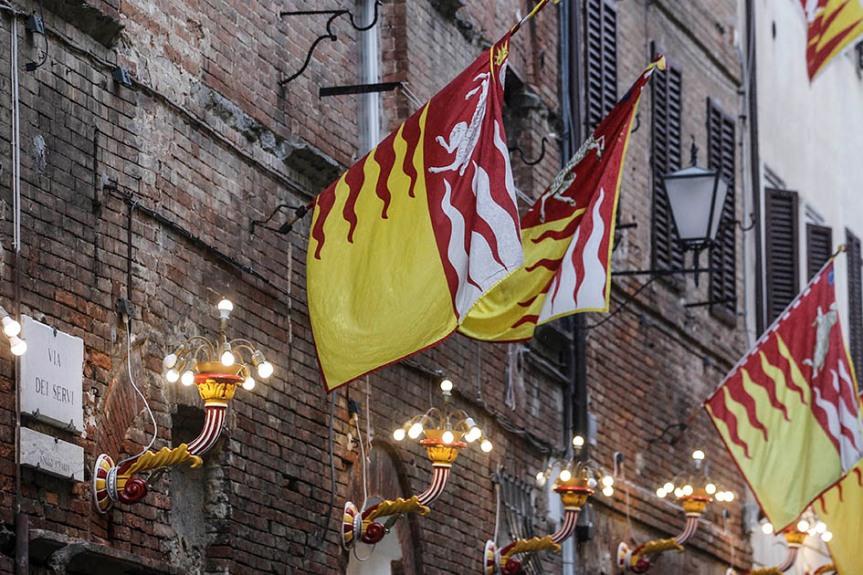 Siena, Festa titolare: Il Valdimontone celebra la Madonna del BuonConsiglio