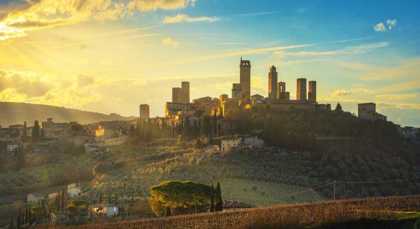 Provincia di Siena, ItinerDante fa tappa a San Gimignano: La Divina Commedia si diffonde tra leTorri