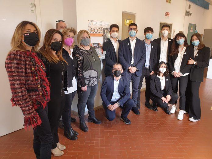 """Siena: Il Liceo Galilei è """"cardioprotetto"""" grazie al RotaryMontaperti"""